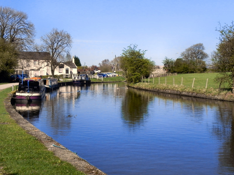 Leeds & Liverpool Canal, Red Rock - © David Dixon via Geograph (Creative Commons)