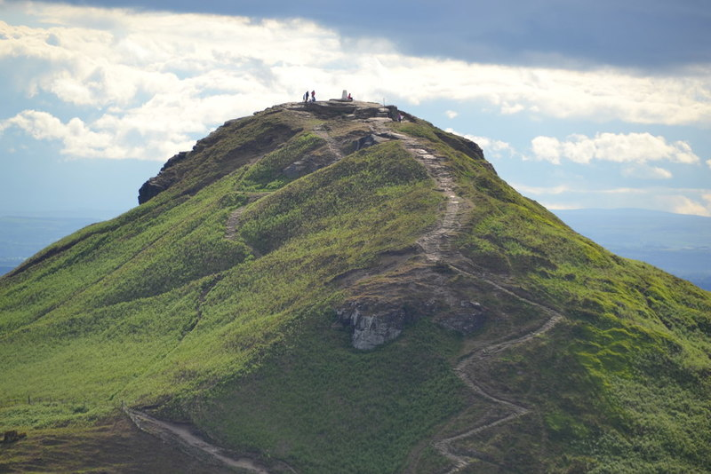 Roseberry Topping - © Keith Evans vie Geograph (Creative Commons)